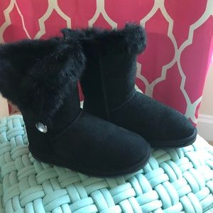 Boo Roo Black suede boots